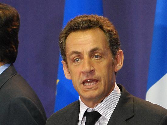 Саркози признает поражение на праймериз во Франции и уходит из политики