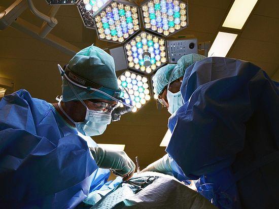 Хирурги вытащили из кишечника 10-летней пациентки полметра волос
