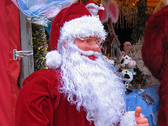В столице России скрыльца салона красоты похитили Деда Мороза