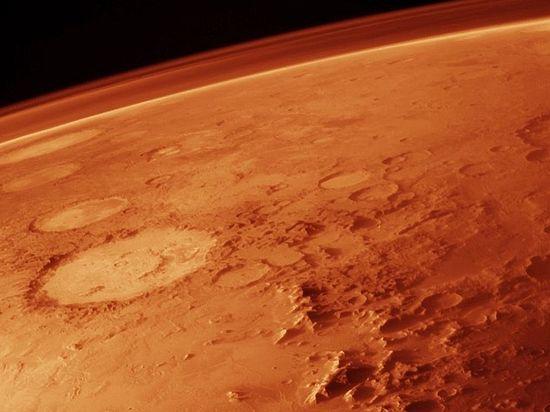 Под поверхностью Марса есть оазисы сжидкой водой— ученые