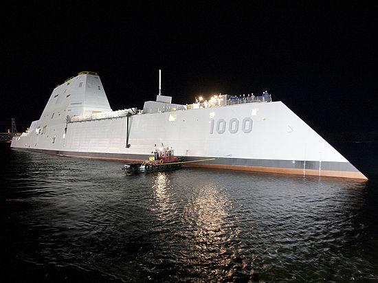 """""""Миллиардный металлолом"""": новейший эсминец США Zumwalt сломался в Панамском канале"""