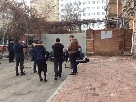 Янукович прибыл на допрос в Ростовский областной суд