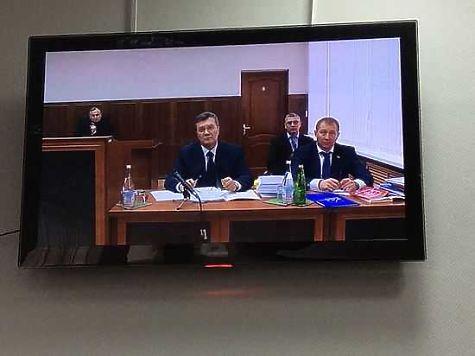 Виктор Янукович прибыл всуд для допроса