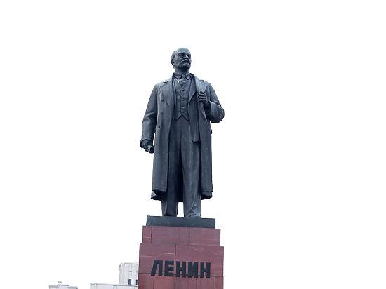 Нужно убрать Мавзолей, чтобы не осквернял Россию