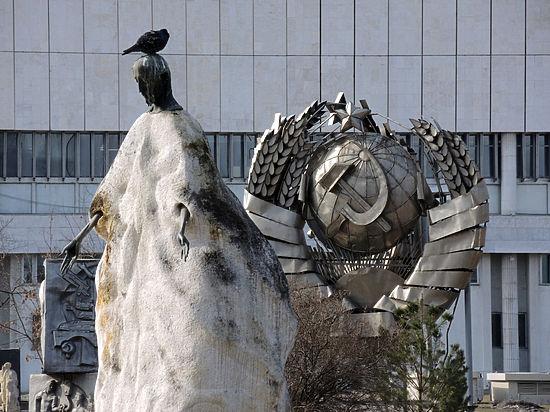 Российский герб хотят украсить солдатскими обмотками