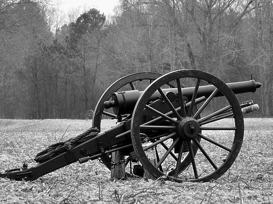 Пушка времен Крымской войны обнаружена в Севастополе