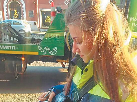 Бороться снарушителями правил на улицы Москвы призвали слабый пол