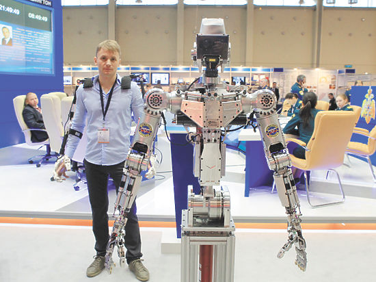 Робот Федя спешит на помощь