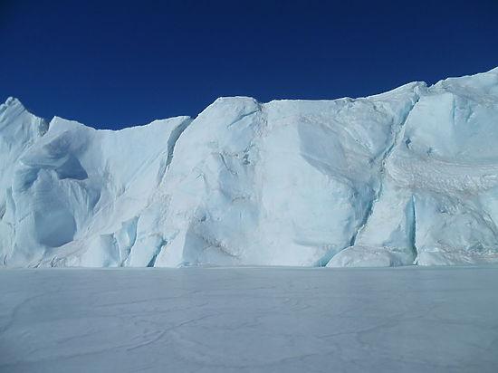 Ученые выяснили, как возник таинственный провал в Антарктиде