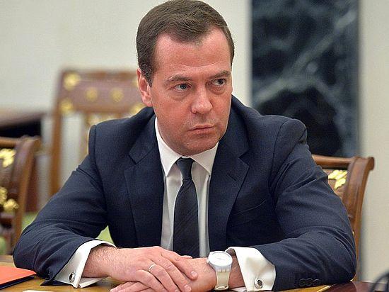 3b0332034 3926438 - Медведев ответил России вопросами на вопросы
