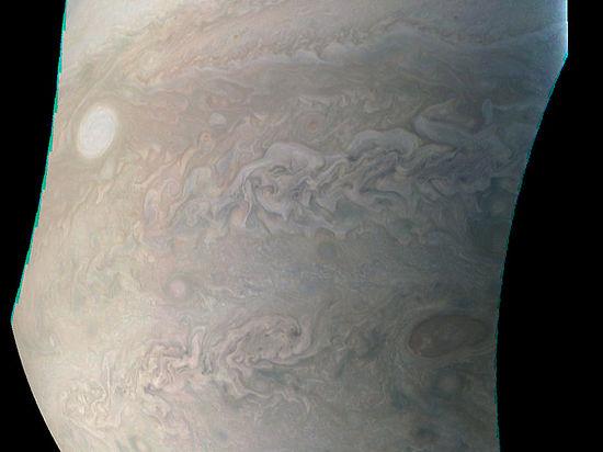 В интернет попали фотографии таинственной «жемчужины» на Юпитере