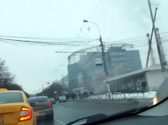 Вweb-сети интернет появилось видео сместа взрыва в российской столице