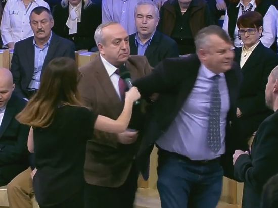 Клинцевич вышвырнул изстудии украинского политолога, отказавшегося почтить память жертв Ту-154