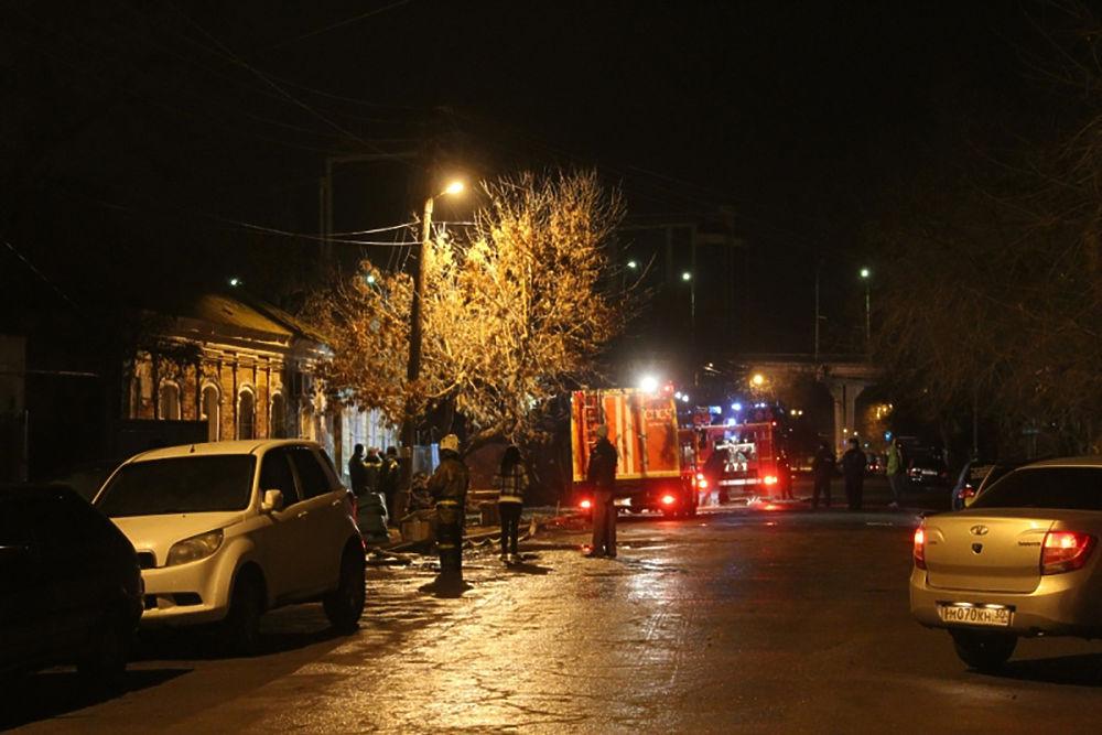 Пожар на улице Куйбышева в Астрахани
