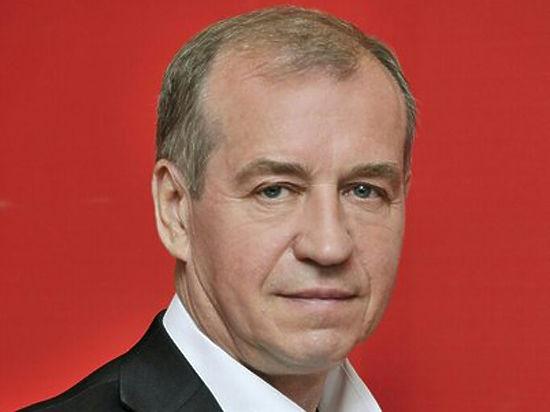 Иркутскому губернатору подарили конфеты с червями