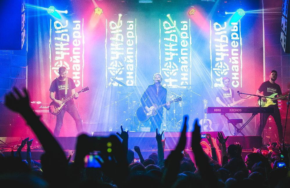 Диана Арбенина и группа Ночные Снайперы отыграли новогодний концерт в Москве