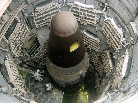 Эксперт: «России спешить с сокращением ядерных носителей не следует»