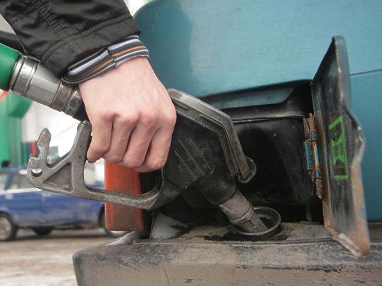 Бензин в России стремительно растет к 40 рублям за литр