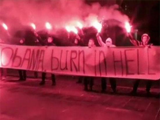 Упосольства США в столице устроили акцию «Обама, гори ваду»