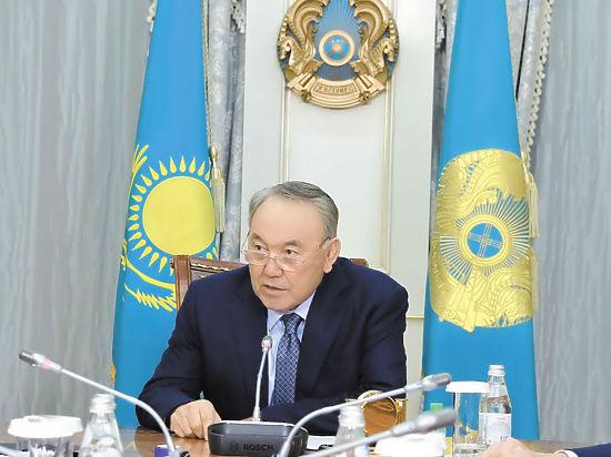 «Ноль первый» идет в атаку: в чем смысл большой политической игры Назарбаева