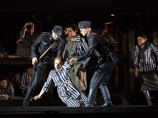 Иосиф Кобзон стал продюсером оперы об Освенциме