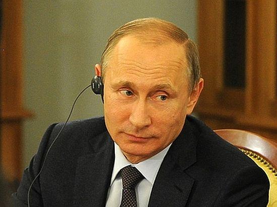 Песков: говорить сТрампом иПенсом состороныРФ будет только Путин