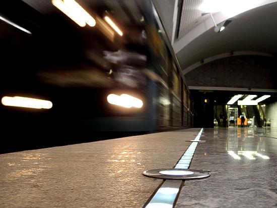 Мать с сыном сама бросилась под поезд— pr-служба московского метро