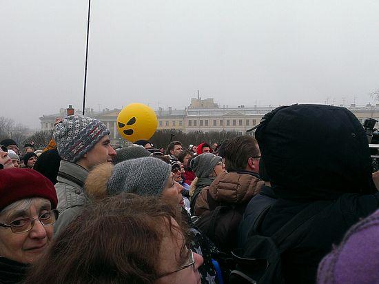 Противники передачи Исаакиевского храма церкви потребовали отставки Полтавченко