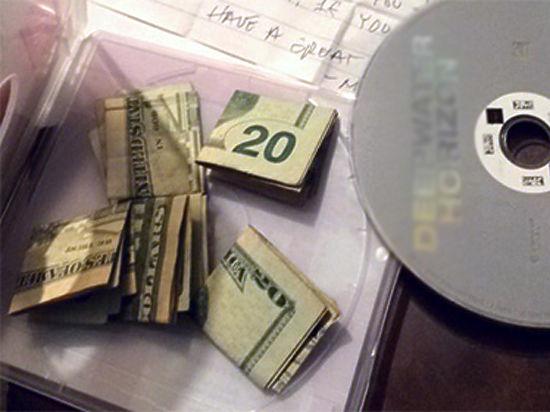 Просмотр взятого напрокат видео обогатил пожилую американку на сотню долларов