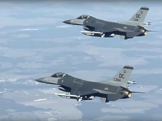 В США истребитель выпустил ракету по собственной базе