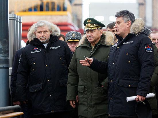 Шойгу переодел руководителей оборонных предприятий в военную форму