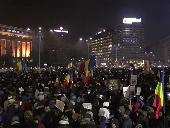 Румынский «майдан»: полмиллиона протестуют против коррупционного декрета