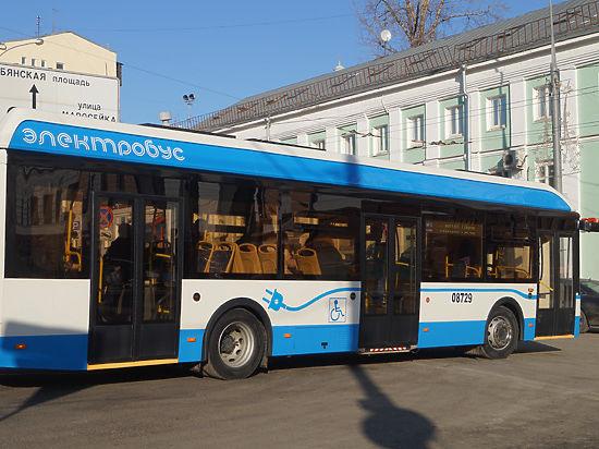 Москвичей посадили на электробус