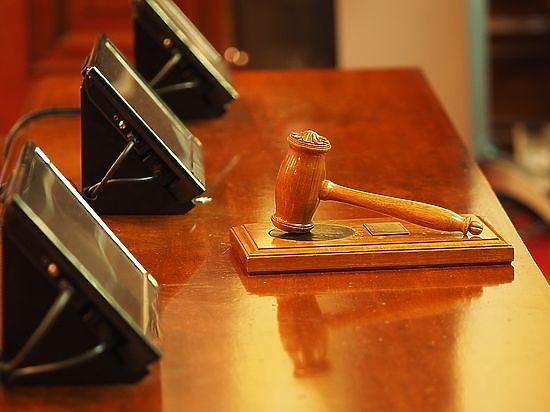 Верховный суд отменил брежневский закон о доплатах на вредном производстве