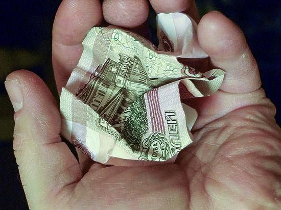 Правительство успешно начало девальвацию рубля