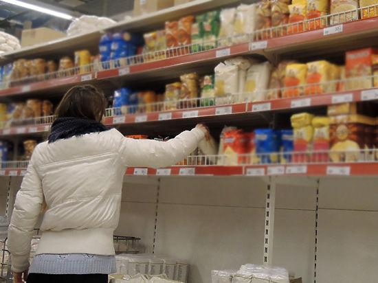Минпромторг назвал продукты, которые малоимущие смогут купить по продкартам