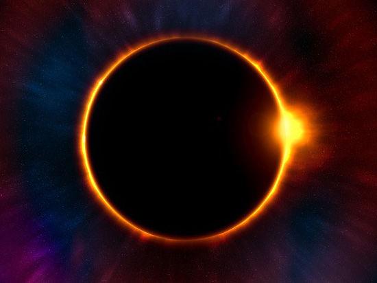 Завтра россияне увидят лунное затмение и комету