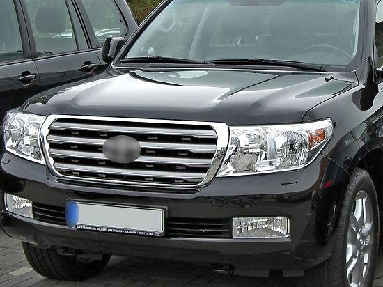 «Провокация юнца»: директор «Ленкома» объяснил скандал с парковкой своей машины