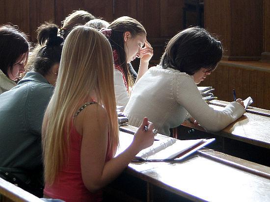 Выпускники и родители «Лиги школ: «Все обвинения  - клевета»