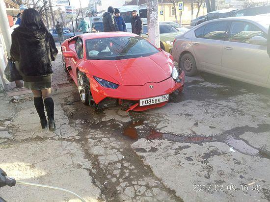 В Симферополе Daewoo Matiz разбил московский Lamborghini