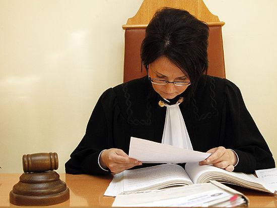 Неразборчивая тихая Фемида: почему российские судьи озвучивают приговоры шепотом