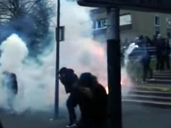 Во Франции не утихают беспорядки из-за изнасилования чернокожего полицейскими