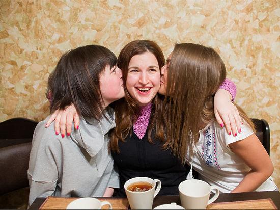 Купидон по вызову: московская служба доставки поцелуев обслужила первых клиентов