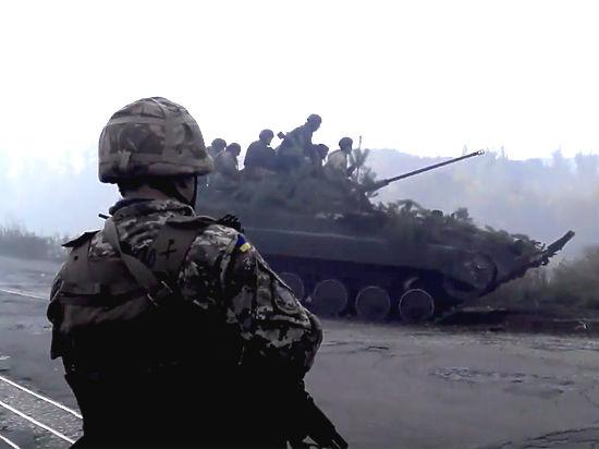 Украинские рабочие массово записываются вополчение из-за блокады перевозок угля