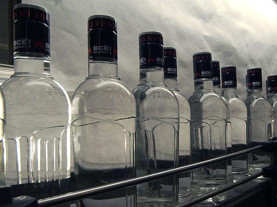 В правительстве поспорили из-за бутылки водки