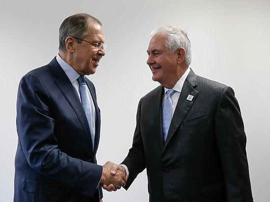 Bloomberg объяснило, почему Тиллерсон оконфузился на встрече с Лавровым