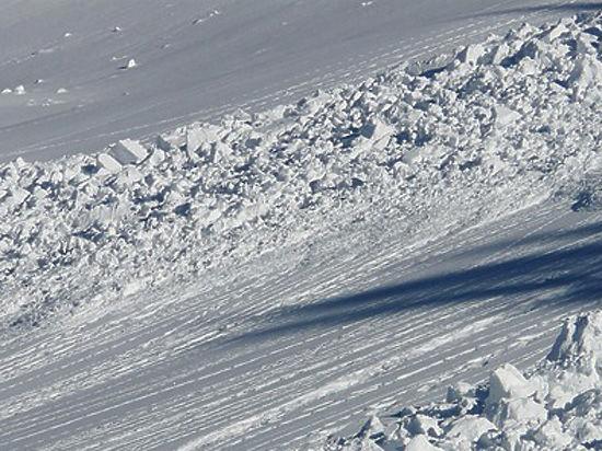 При сходе лавины врайоне учений армии Казахстана погибли семь человек
