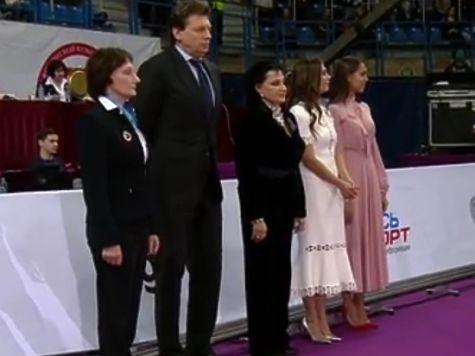 Похорошевшая Алина Кабаева открыла гимнастический турнир