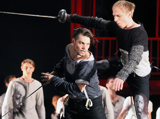 В Москве показали первый спектакль «Золотой маски» хореографа-рекордсмена
