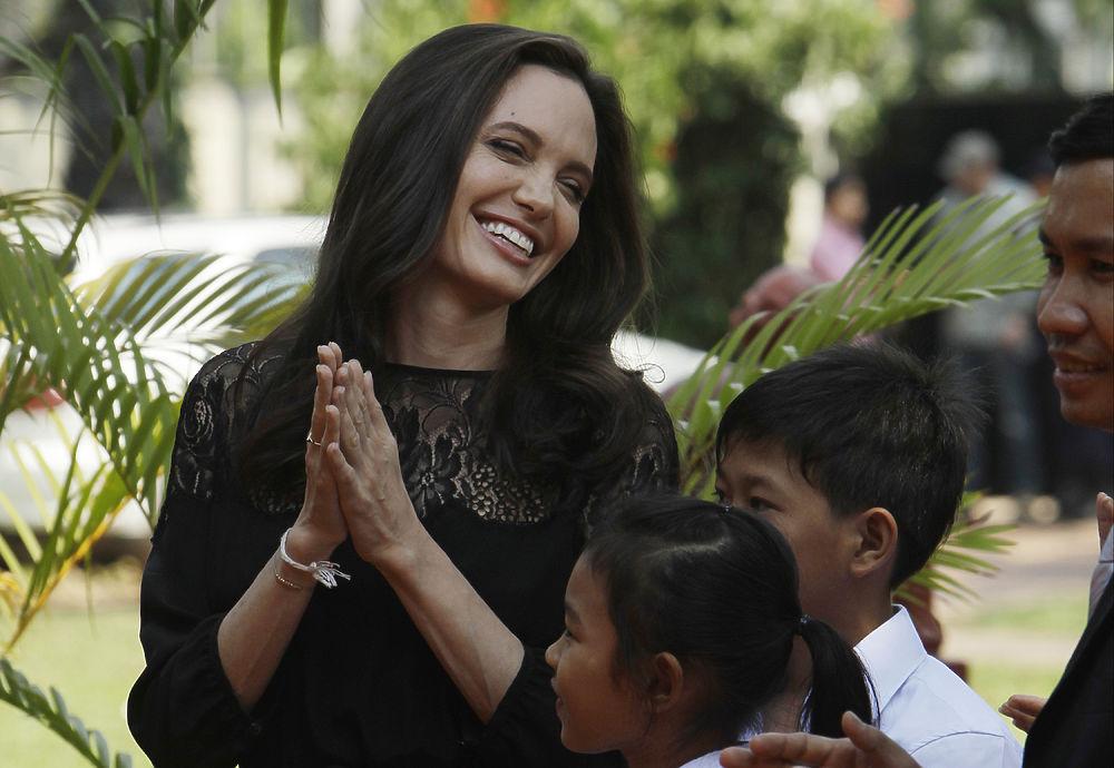 Анджелина Джоли, похоже, пережила развод с красавчиком Брэдом